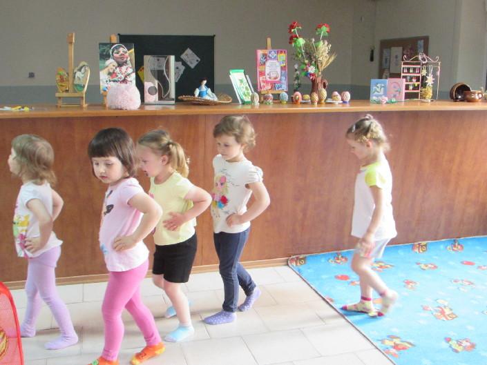 рухливі ігри для дітей молодшого дошкільного віку фото