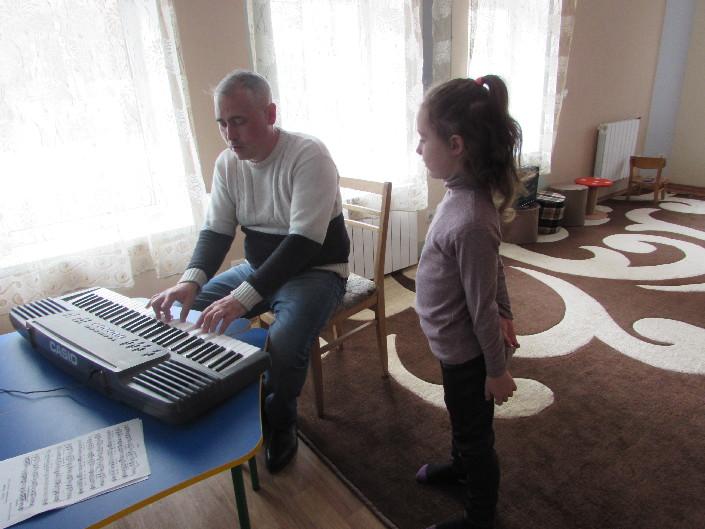 Заняття з вокалу для дітей фото