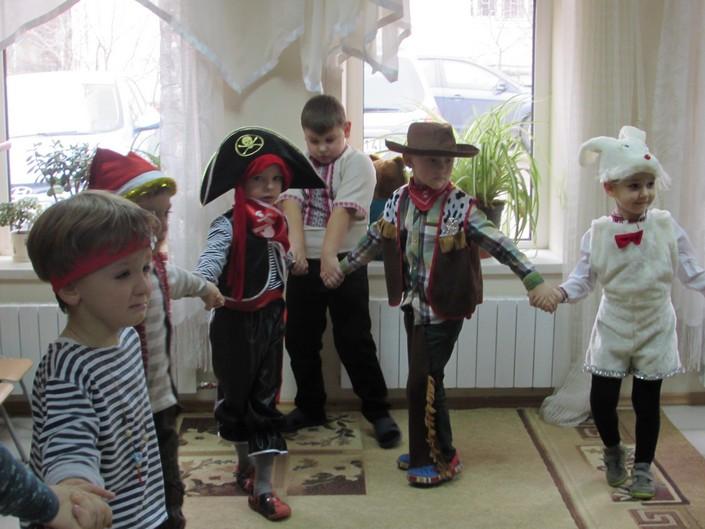 дитячий центр маскарад фото