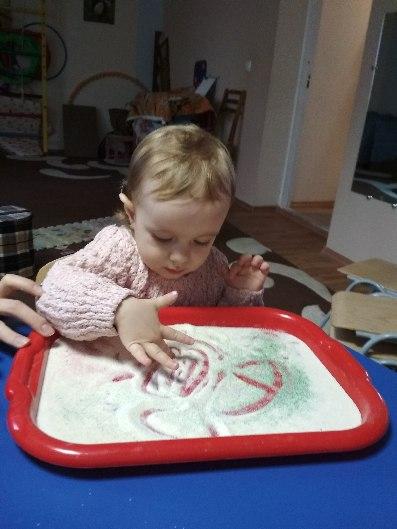 розвиток дитини раннього віку фото